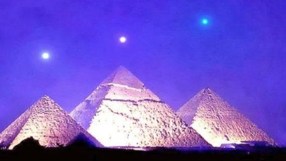 Vén màn lịch sử: Đại Kim Tự Tháp Ai Cập: Đã từng có công nghệ siêu việt và vĩ đại, được xây dựng bởi những người khổng lồ 5m?